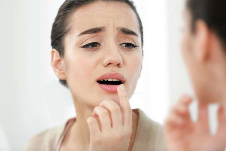 Home Remedies to cure Dry and Chapped Lips