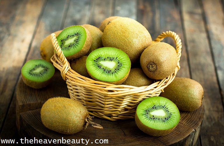 face scrubs for oily skin - kiwi and sugar