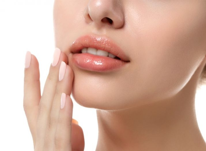 Black spots on lips cure with simple remedies