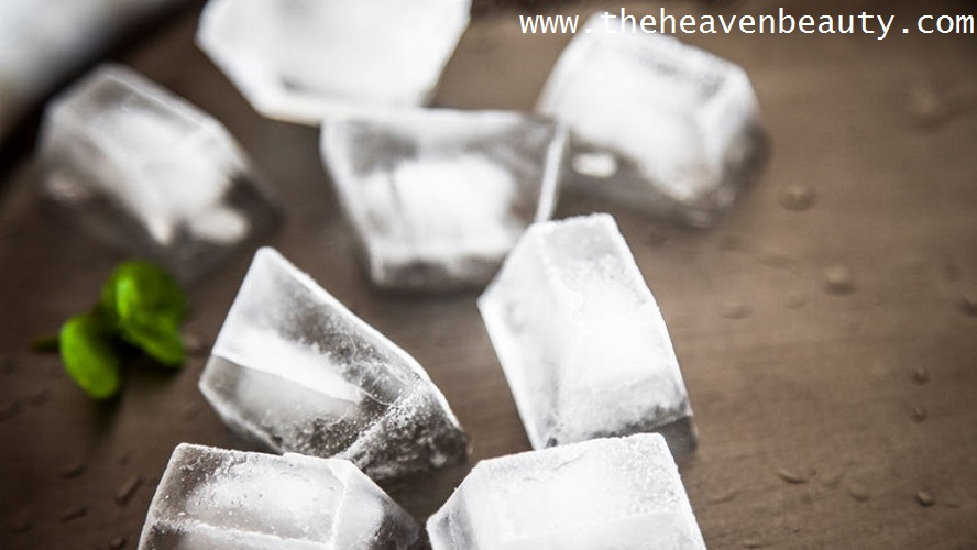 Ice cubes to treat swollen lips faster