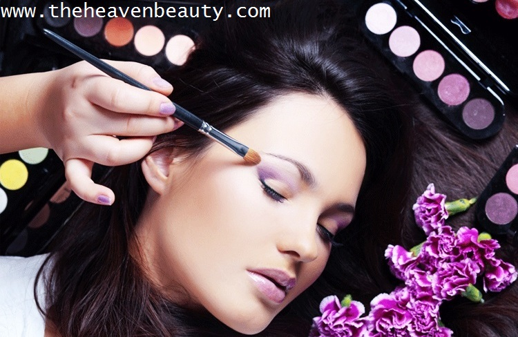 best monsoon makeup tips