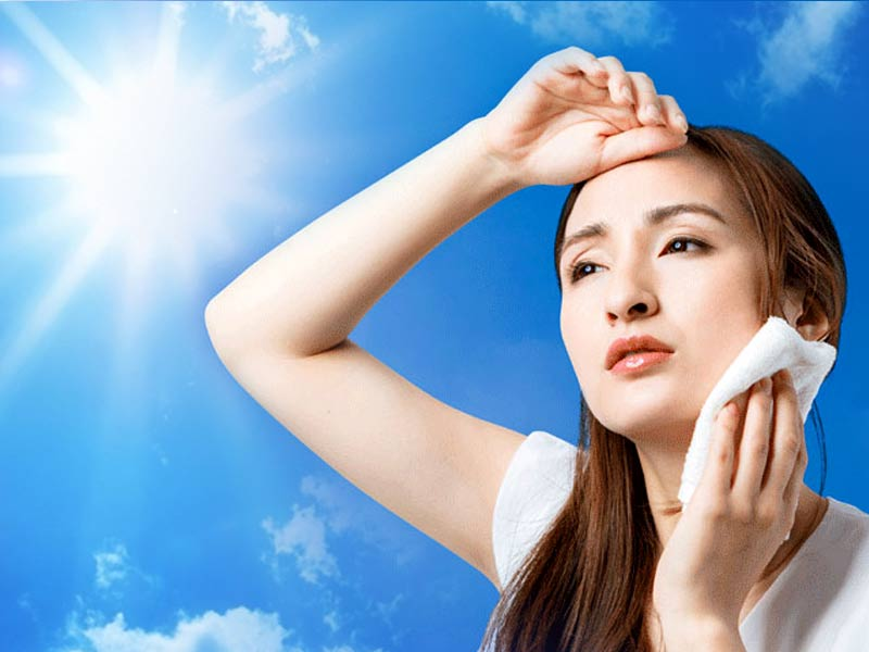 Sunstroke cure at home during summer